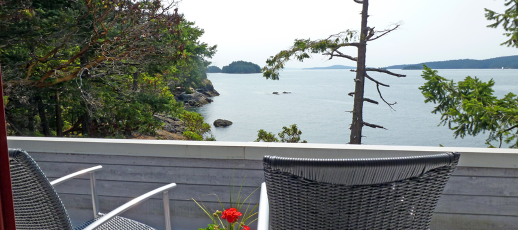 Oceanside deck, Secret Island Retreat